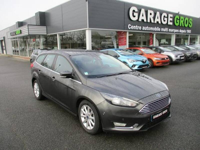 Voir la photo n°1 de la voiture d'occasion FORD FOCUS SW — 1.5 TDCi 120 S&S Titanium PowerShift