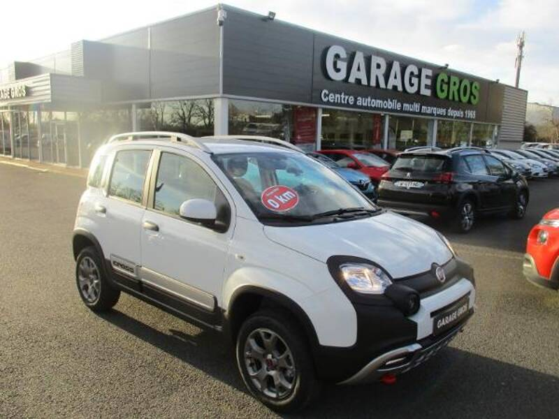 Voir la photo n°1 de la voiture 0KM FIAT PANDA MY19 — 0.9 85 ch TwinAir S/S 4x4 Cross