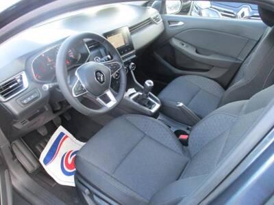 Voir la photo n°4 de la voiture 0KM RENAULT CLIO V — SCe 75 Zen