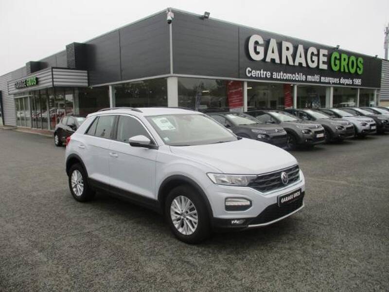 Voir la photo n°1 de la voiture d'occasion VOLKSWAGEN T-ROC — 1.0 TSI 115 Start/Stop BVM6 Lounge
