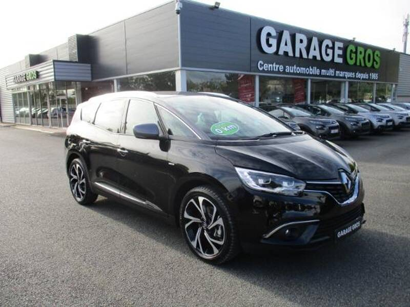 Voir la photo n°1 de la voiture 0KM RENAULT GRAND SCENIC IV — Blue dCi 120 Intens