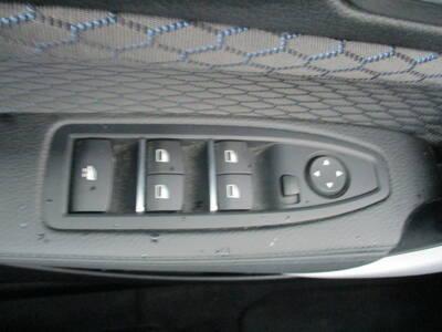 Voir la photo n°4 de la voiture d'occasion BMW SERIE 2 CABRIOLET F23 LCI2 — Cabriolet 218i 136 ch BVA8 M Sport