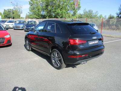 Voir la photo n°2 de la voiture d'occasion AUDI Q3 — 2.0 TDI 150 ch S tronic 7 Midnight Series