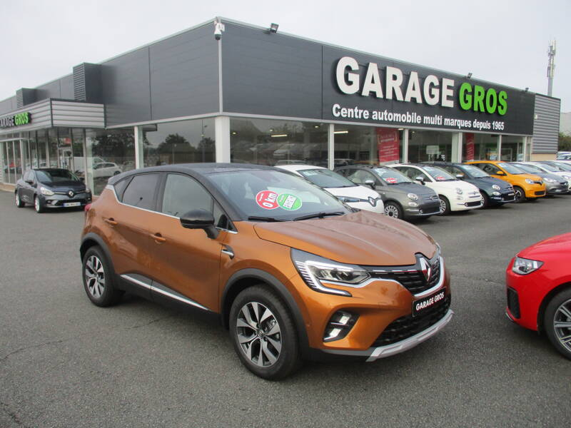 Voir la photo n°1 de la voiture 0KM RENAULT CAPTUR — TCe 100 Intens