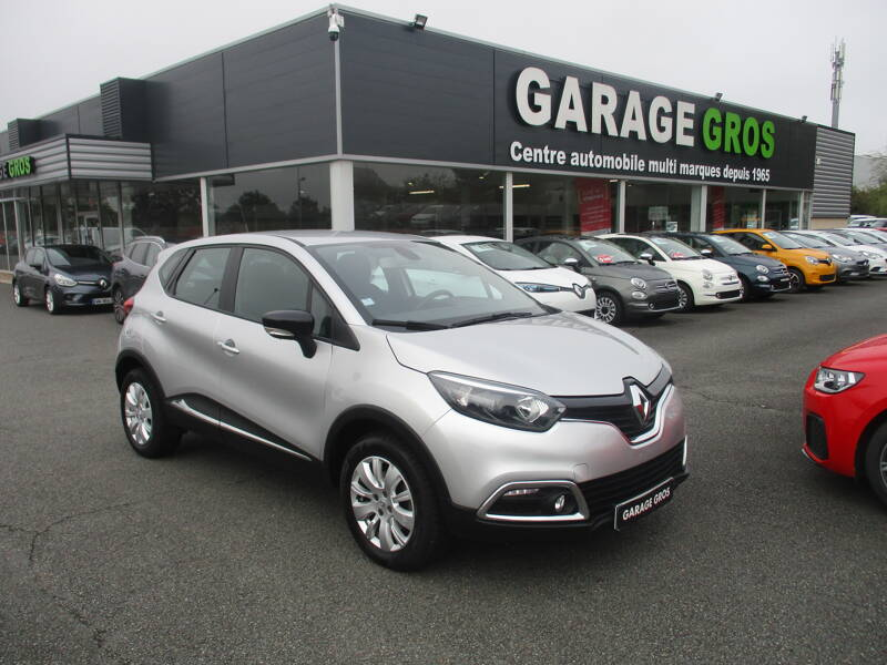 Voir la photo n°1 de la voiture d'occasion RENAULT CAPTUR — dCi 90 Energy eco² E6 Zen