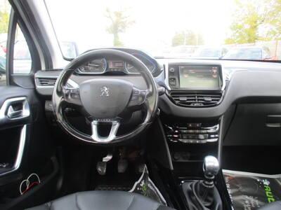 Voir la photo n°5 de la voiture d'occasion PEUGEOT 2008 — 1.6 BlueHDi 120ch S&S BVM6 Allure
