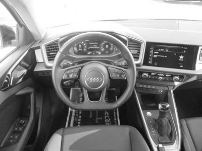 Voir la photo n°5 de la voiture d'occasion AUDI A1 SPORTBACK — 40 TFSI 200 ch S tronic 6 S line