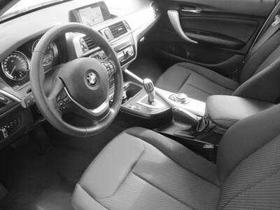 Voir la photo n°5 de la voiture d'occasion BMW SERIE 1 F20 LCI2 — 118i 136 ch BVA8 Lounge