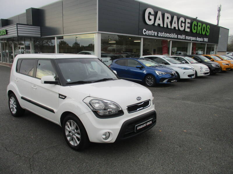 Voir la photo n°1 de la voiture d'occasion KIA SOUL — 1.6 CRDi 128 ch Active