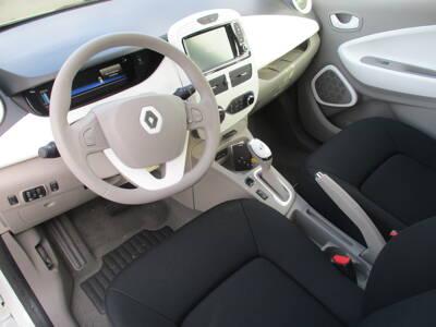 Voir la photo n°5 de la voiture 0KM RENAULT ZOE — Q90 (Ch rapide) Achat Integral Intens
