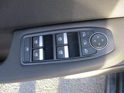 Voir la photo n°5 de la voiture 0KM RENAULT CLIO V — Blue dCi 115 Intens