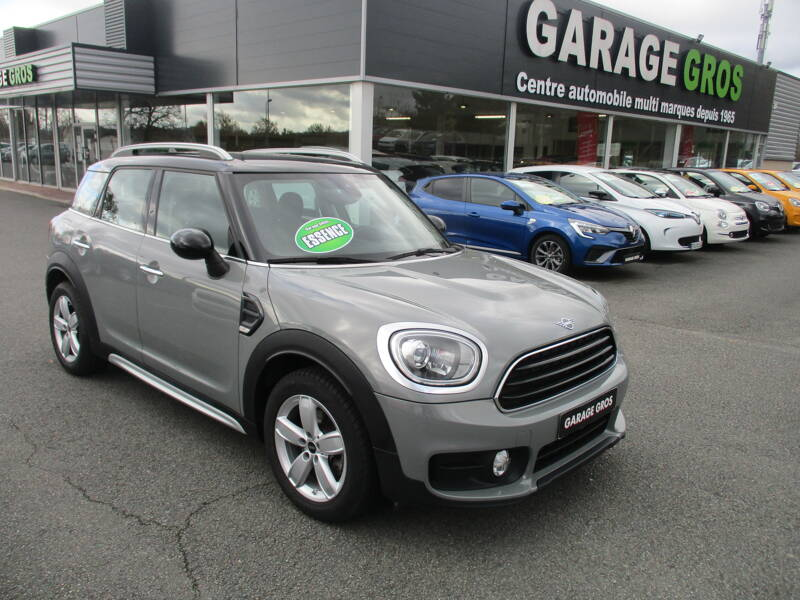Voir la photo n°1 de la voiture d'occasion MINI MINI COUNTRYMAN F60 — 136 ch BVA7 Cooper