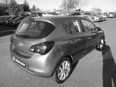 Voir la photo n°3 de la voiture d'occasion OPEL CORSA — 1.3 ECOTEC Diesel  95 ch Edition