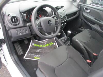 Voir la photo n°4 de la voiture d'occasion RENAULT CLIO IV — dCi 75 Energy Life