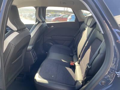 Voir la photo n°5 de la voiture 0KM RENAULT CAPTUR — Blue dCi 95 Intens