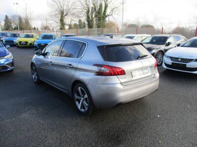 Voir la photo n°2 de la voiture d'occasion PEUGEOT 308 — BlueHDi 130ch S&S EAT6 Allure