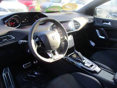 Voir la photo n°4 de la voiture 0KM PEUGEOT 308 — PureTech 130ch S&S EAT8 GT Line