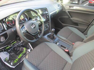 Voir la photo n°4 de la voiture d'occasion VOLKSWAGEN GOLF SW — 1.6 TDI 115 FAP BVM5 IQ.Drive
