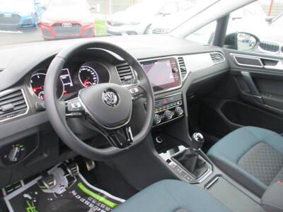 Voir la photo n°4 de la voiture d'occasion VOLKSWAGEN GOLF SPORTSVAN — 1.6 TDI 115 FAP BVM5 IQ.Drive