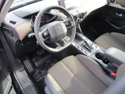 Voir la photo n°4 de la voiture 0KM DS DS3 CROSSBACK — PureTech 130 S&S BVA8 So Chic