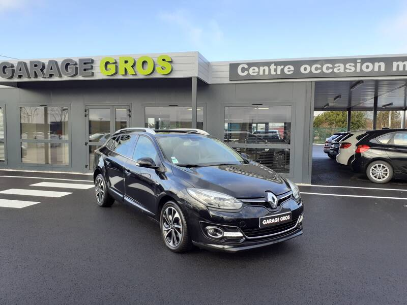 Voir la photo n°1 de la voiture d'occasion RENAULT MEGANE III ESTATE — Estate III 1.5 dCi 110 FAP Energy eco2 Bose