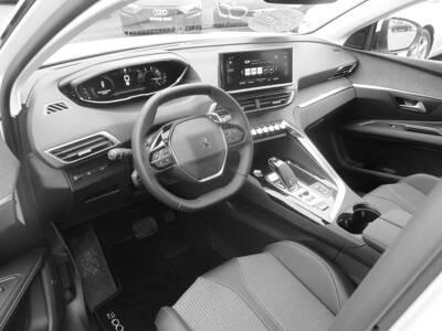 Voir la photo n°4 de la voiture 0KM PEUGEOT 3008 — BlueHDi 130ch S&S EAT8 Allure Pack