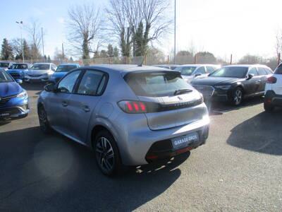 Voir la photo n°2 de la voiture 0KM PEUGEOT 208 — BlueHDi 100 S&S BVM6 Allure