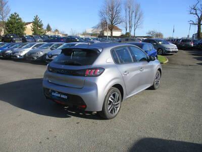 Voir la photo n°3 de la voiture 0KM PEUGEOT 208 — BlueHDi 100 S&S BVM6 Allure