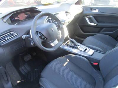 Voir la photo n°4 de la voiture 0KM PEUGEOT 308 — PureTech 130ch S&S EAT8 Allure Pack