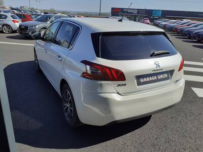 Voir la photo n°2 de la voiture d'occasion PEUGEOT 308 — 1.6 BlueHDi 120ch S&S BVM6 Serie Speciale Style