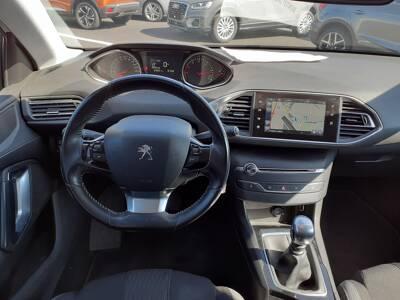 Voir la photo n°5 de la voiture d'occasion PEUGEOT 308 — 1.6 BlueHDi 120ch S&S BVM6 Serie Speciale Style