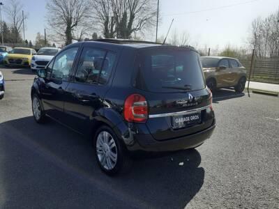 Voir la photo n°2 de la voiture d'occasion RENAULT MODUS — 1.5 dCi 90 eco2 Evian Master Euro 5