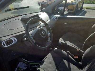 Voir la photo n°4 de la voiture d'occasion RENAULT MODUS — 1.5 dCi 90 eco2 Evian Master Euro 5