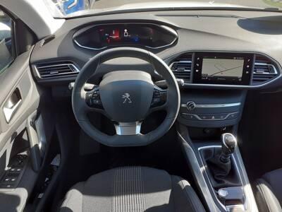 Voir la photo n°5 de la voiture 0KM PEUGEOT 308 — PureTech 130ch S&S BVM6 Allure Pack