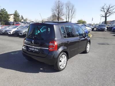 Voir la photo n°3 de la voiture d'occasion RENAULT MODUS — 1.5 dCi 90 eco2 Evian Master Euro 5