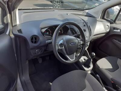 Voir la photo n°4 de la voiture d'occasion FORD TOURNEO COURIER — 1.5 TDCi 95 Trend