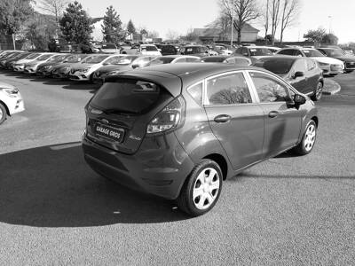 Voir la photo n°3 de la voiture d'occasion FORD FIESTA — 1.25 82 Trend