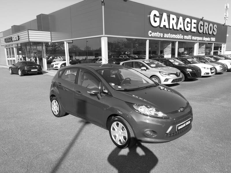 Voir la photo n°1 de la voiture d'occasion FORD FIESTA — 1.25 82 Trend