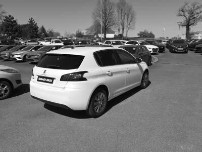 Voir la photo n°3 de la voiture 0KM PEUGEOT 308 — BlueHDi 130ch S&S BVM6 Allure Pack