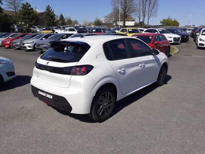 Voir la photo n°3 de la voiture 0KM PEUGEOT 208 — PureTech 100 S&S EAT8 Style