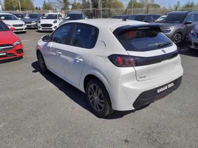 Voir la photo n°2 de la voiture 0KM PEUGEOT 208 — PureTech 100 S&S EAT8 Style