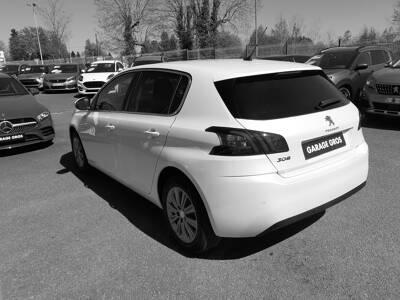 Voir la photo n°2 de la voiture 0KM PEUGEOT 308 — BlueHDi 130ch S&S BVM6 Allure Pack