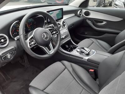 Voir la photo n°4 de la voiture d'occasion MERCEDES CLASSE C — 200 d 9G-Tronic AMG Line