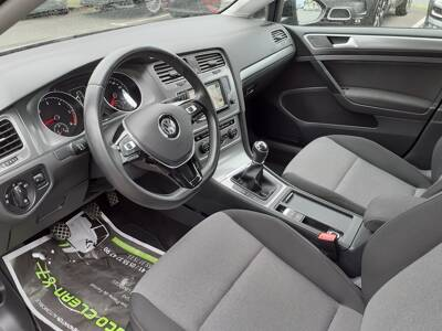 Voir la photo n°4 de la voiture d'occasion VOLKSWAGEN GOLF — 1.6 TDI 110 BlueMotion Technology FAP Trendline