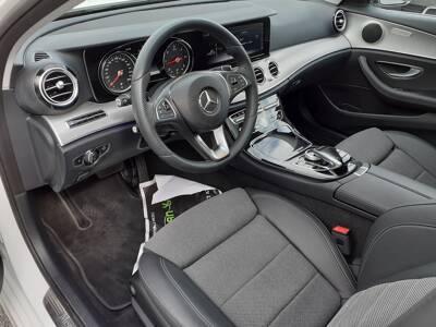 Voir la photo n°4 de la voiture d'occasion MERCEDES CLASSE E BREAK — 220 d 9G-Tronic Sportline