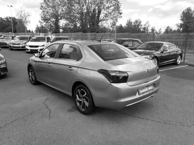 Voir la photo n°2 de la voiture d'occasion CITROEN C-ELYSEE — PureTech 82 Live