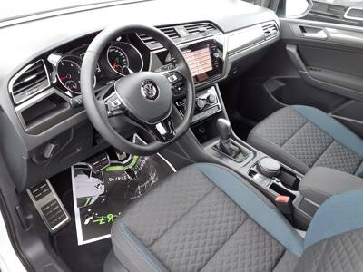 Voir la photo n°4 de la voiture d'occasion VOLKSWAGEN TOURAN — 2.0 TDI 115 DSG7 7pl IQ.Drive
