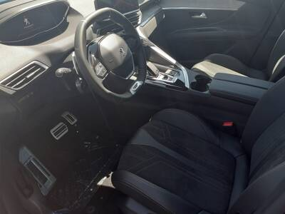 Voir la photo n°4 de la voiture 0KM PEUGEOT 3008 — Puretech 130ch S&S EAT8 GT