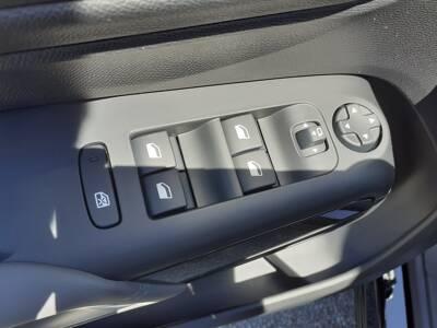 Voir la photo n°4 de la voiture 0KM CITROEN C5 AIRCROSS — BlueHDi 130 S&S EAT8 Shine Pack