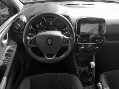 Voir la photo n°5 de la voiture d'occasion RENAULT CLIO IV — dCi 90 Energy Intens